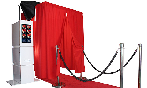 Enclosed-Photo-Booth-Photo